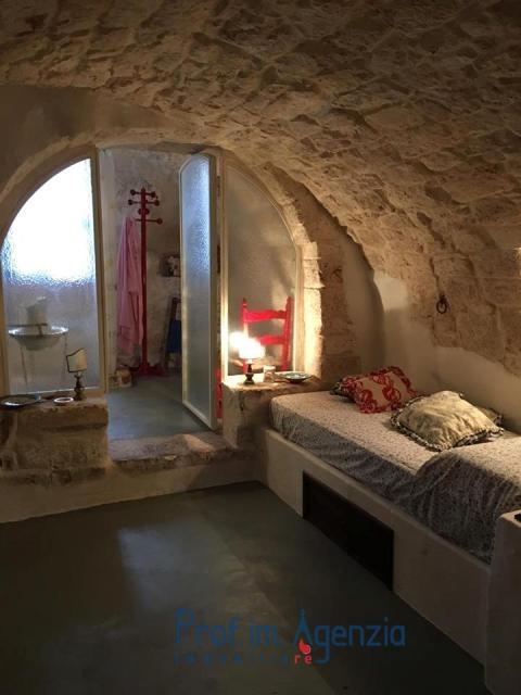 Vendita case nel centro storico ostuni bellissima casa for Case in vendita roma centro storico privati