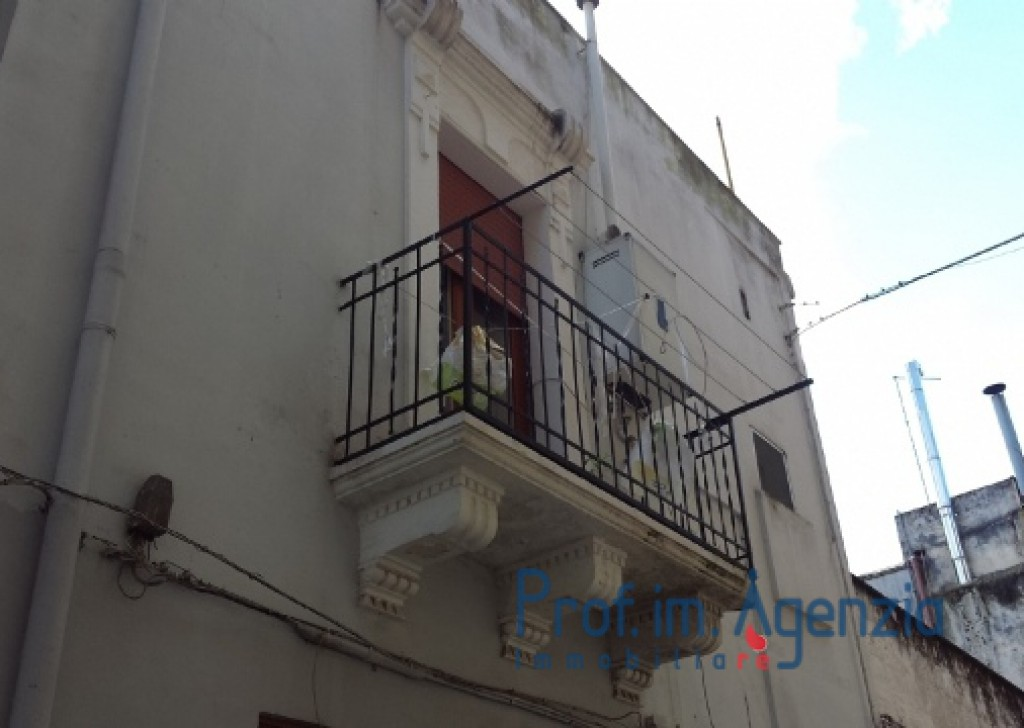 Sale Old town houses Carovigno - Beautiful independent flat in the old town centre of Carovigno Locality Città di Carovigno