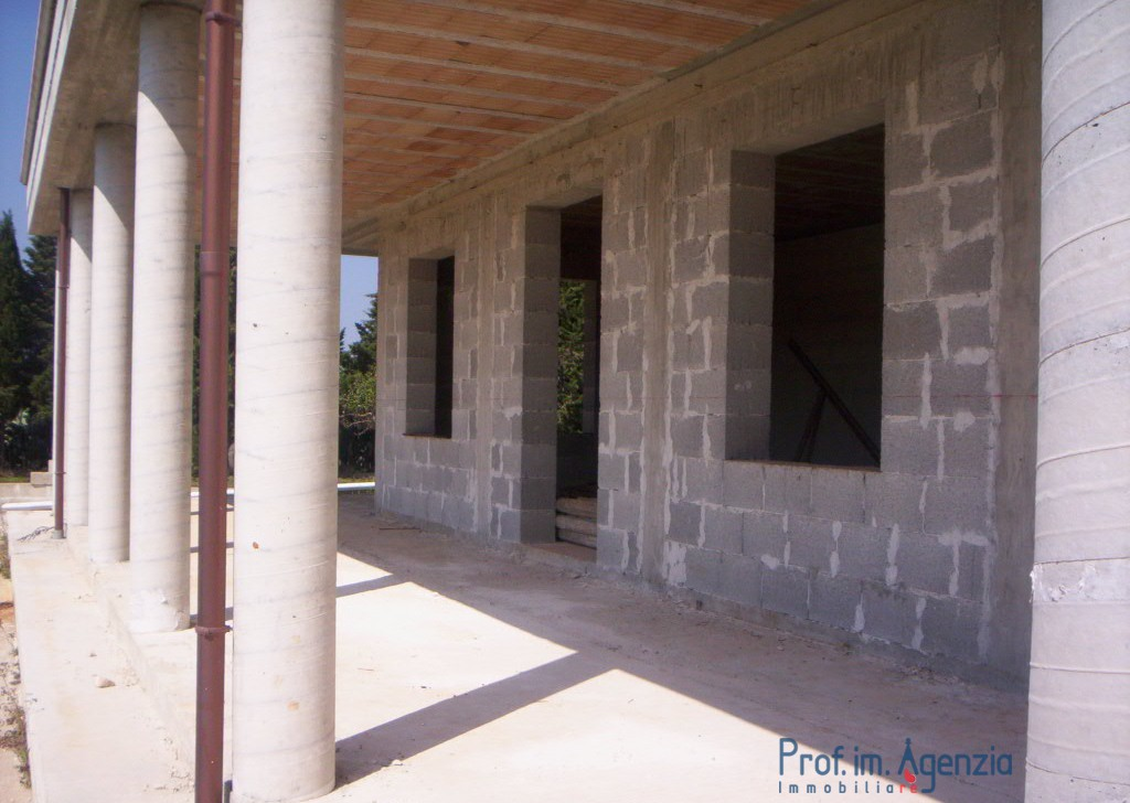 Sale Country houses Carovigno - Country house in the outskirts Locality Agro di Carovigno