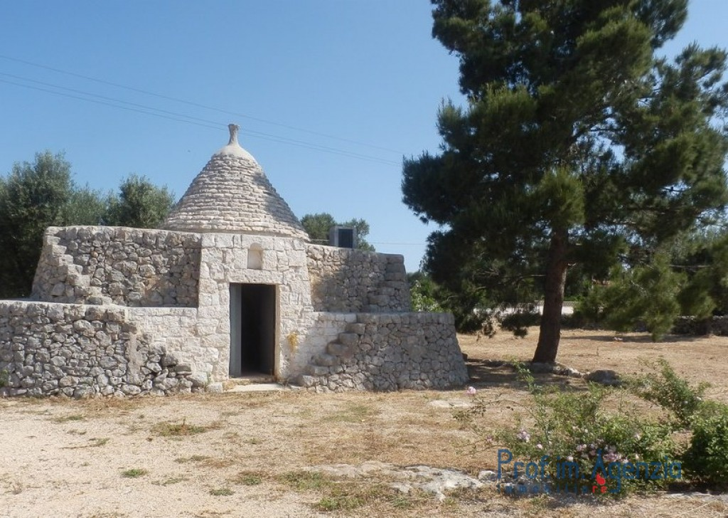Sale Country houses Carovigno - Very beautiful typica complex of villa and trullo Locality Agro di Carovigno
