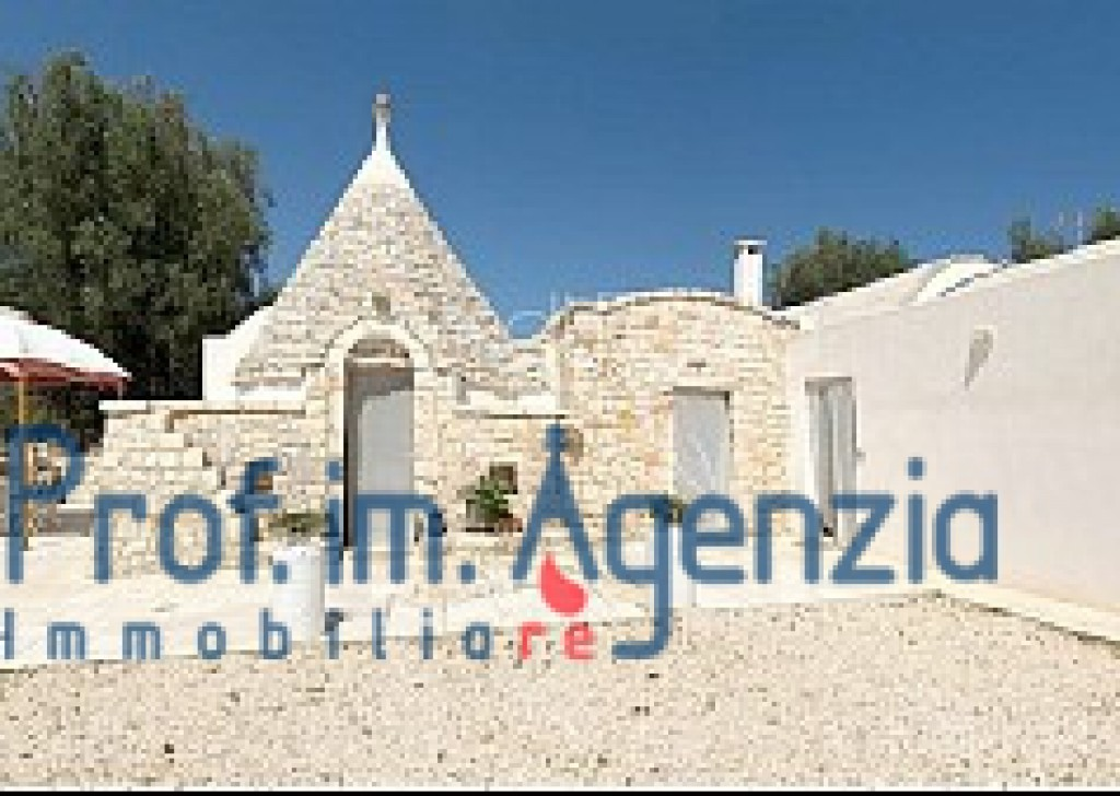 Sale Trulli with swimming pool San Michele S. - Beautiful restored trulli with swimming pool Locality Agro di San Michele Salentino