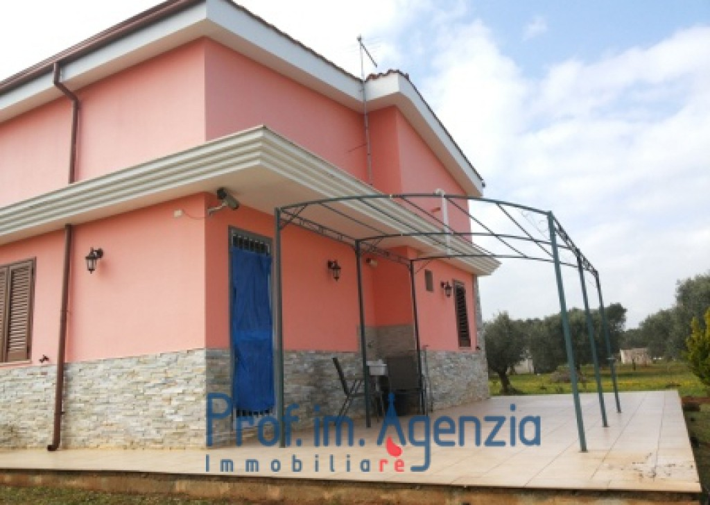Sale Country houses S. Vito dei N. - Country house close to the town Locality Agro di San Vito dei Normanni