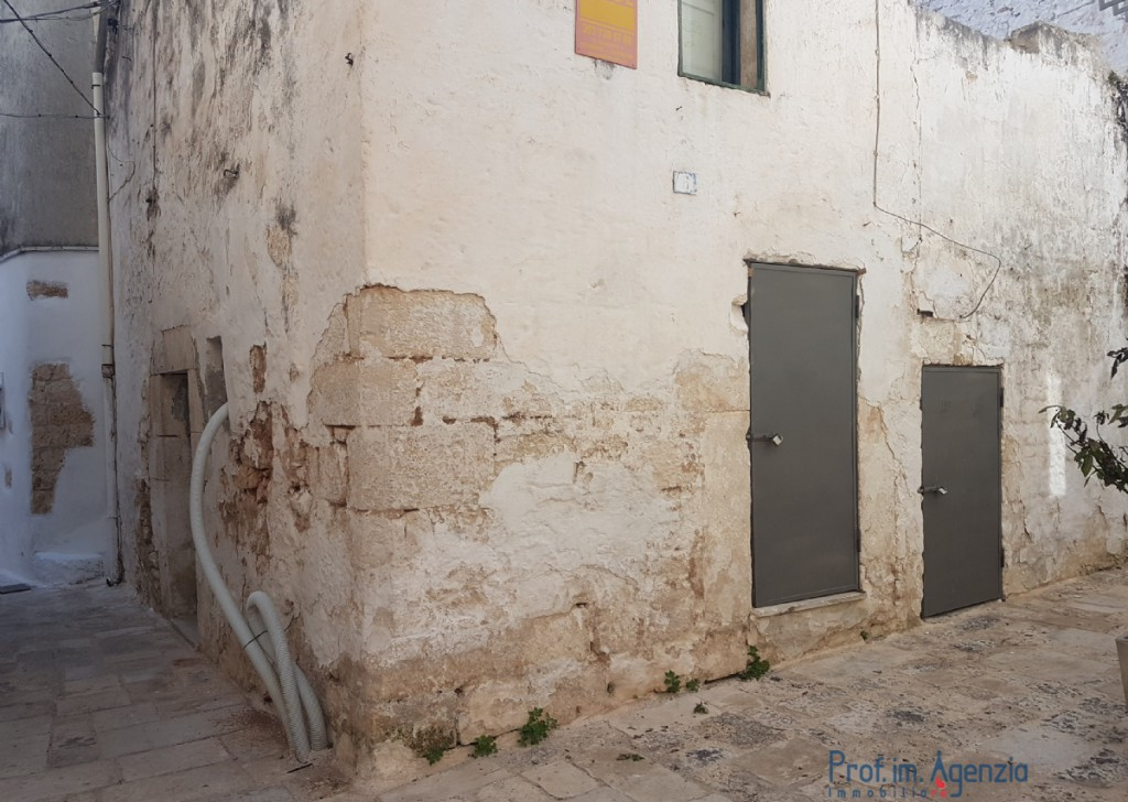 Sale Old town houses Carovigno - House in the old town center Locality Città di Carovigno