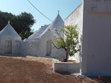 Trullo and cottage