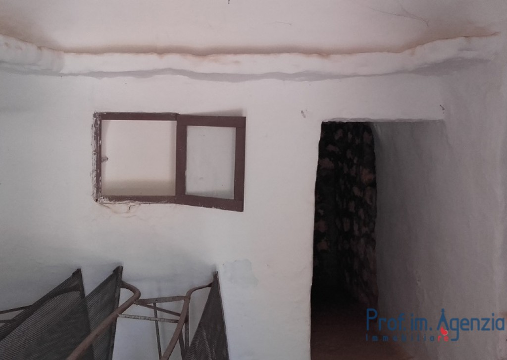 Sale Trulli to be restored/expanded San Michele S. - Trullo and cottage Locality Agro di San Michele Salentino