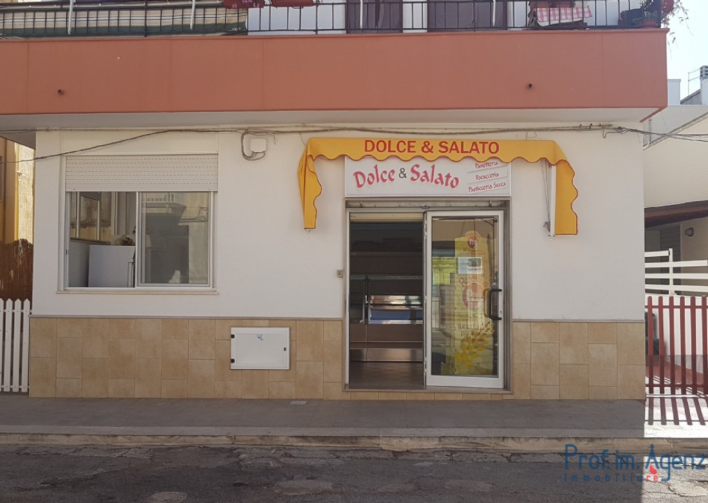 Sale Business premises Carovigno - Commercial premises used for bakery, muffin and pastry shop Locality Specchiolla
