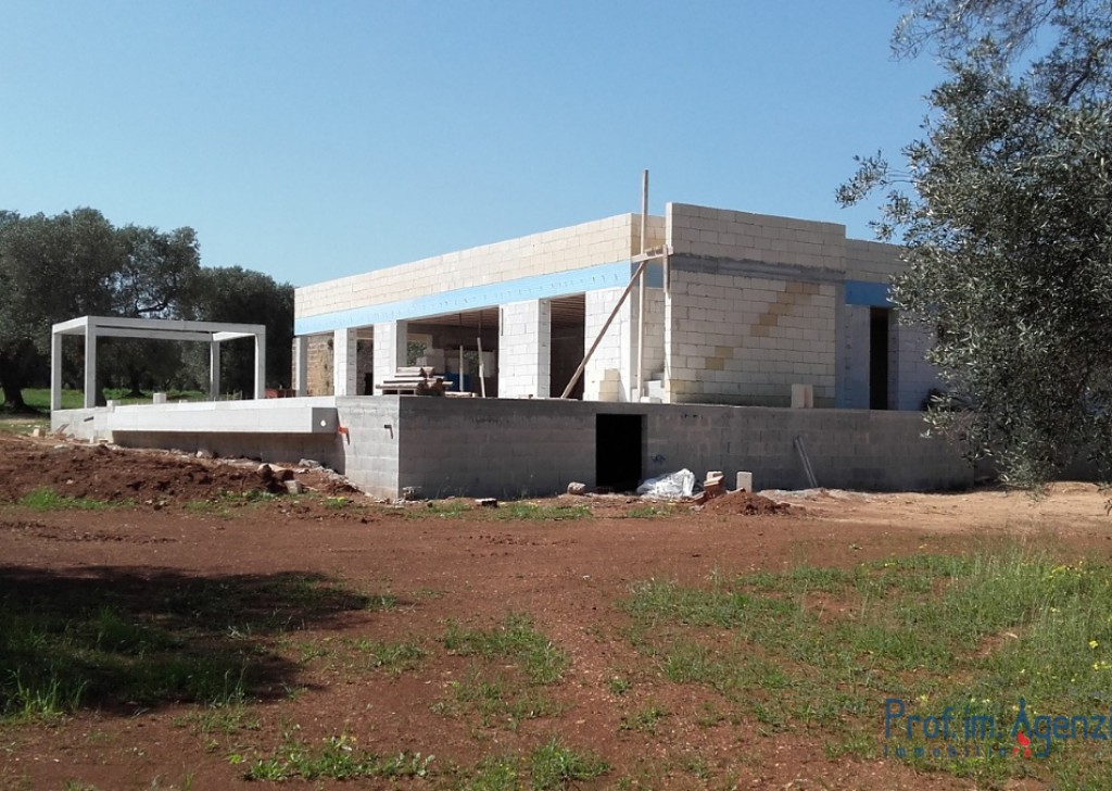 Sale Houses with swimming pool Carovigno - Villa with pool Locality Agro di Carovigno