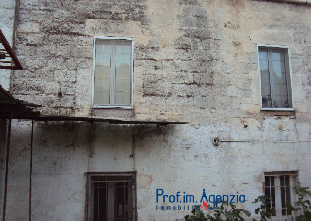 Sale Old town houses Carovigno - Independent house in the centre Locality Città di Carovigno