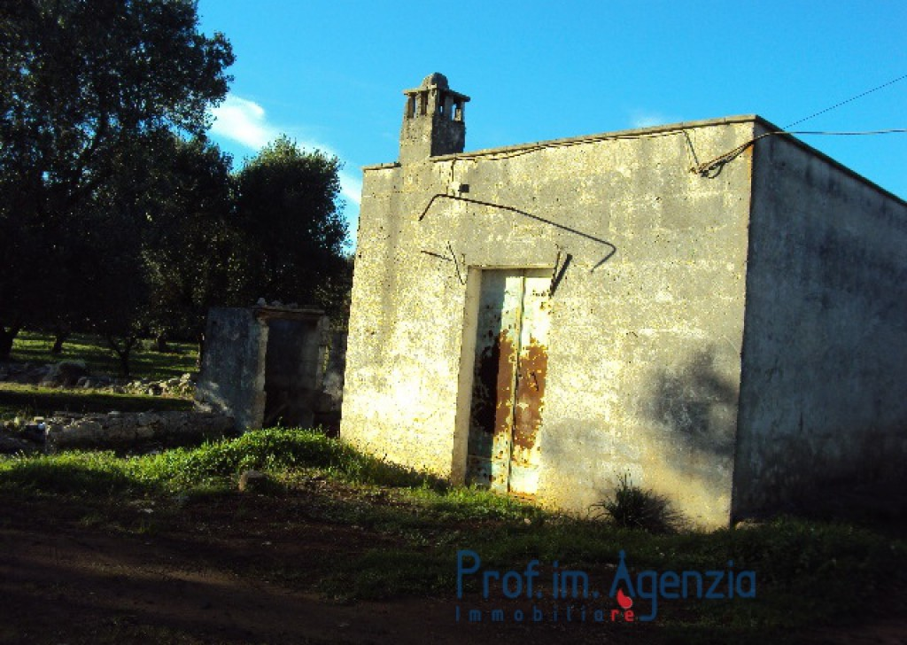 Sale Cottages Carovigno - Lamia one-room on an enchanting land Locality Agro di Carovigno