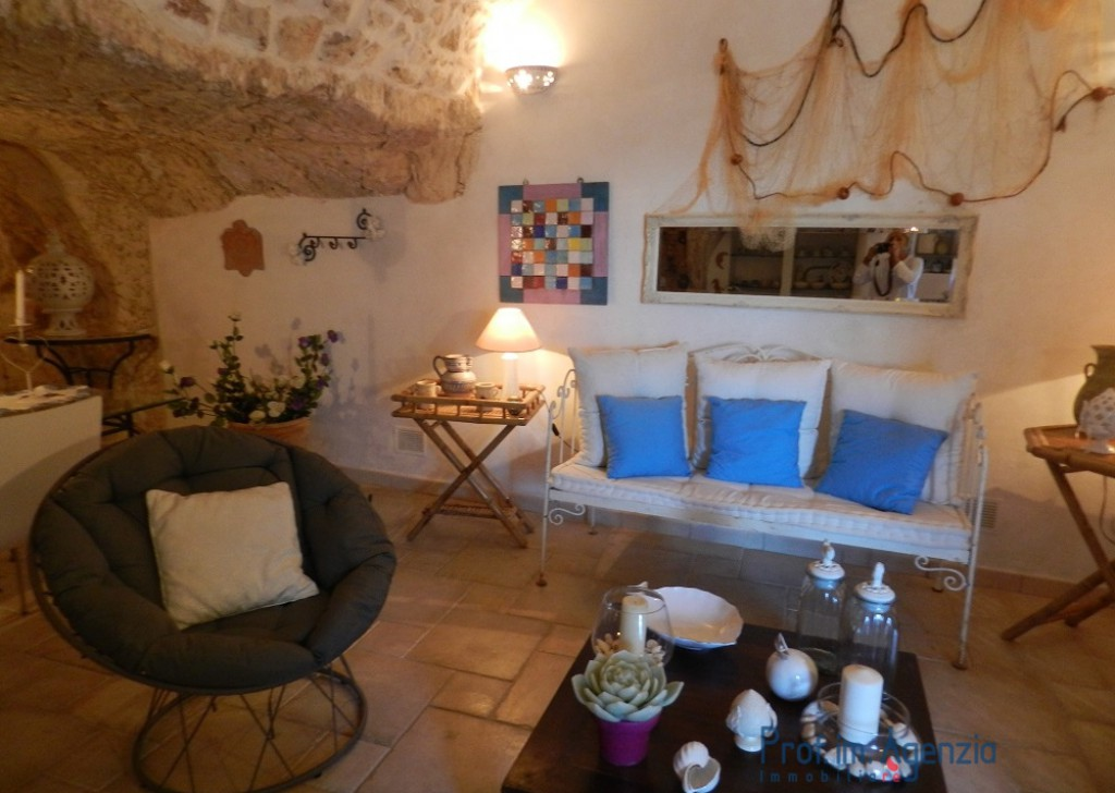 Sale Old town houses Ostuni -  Houses in the historic center of Ostuni,  Locality Città di Ostuni