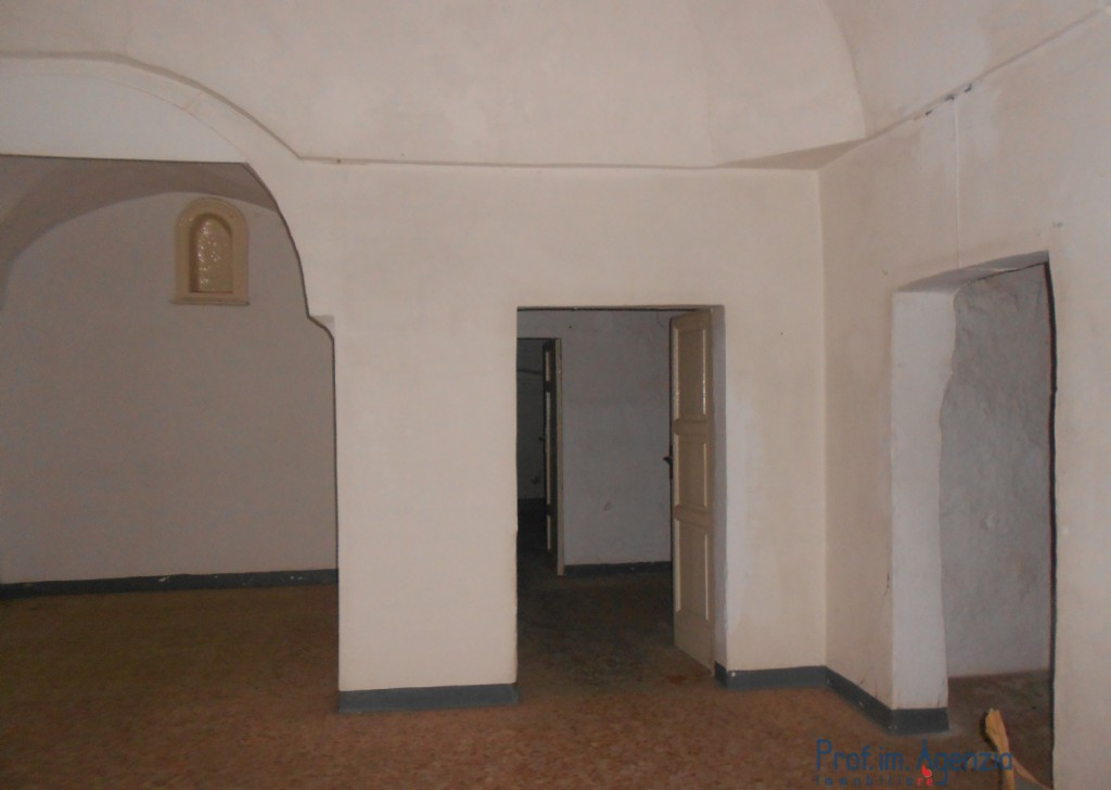 Sale Old town houses Carovigno - Very pretty flat located in the old town cente Locality Città di Carovigno