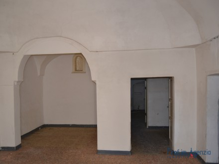 Very pretty flat located in the old town cente
