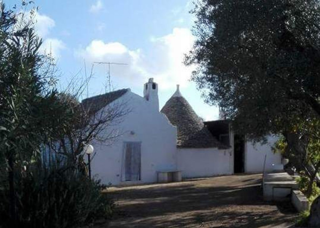 Sale Trulli to be restored/expanded Castellana Grotte - Very beautiful trullo in excellent structural conditions Locality Agro di Castellana Grotte