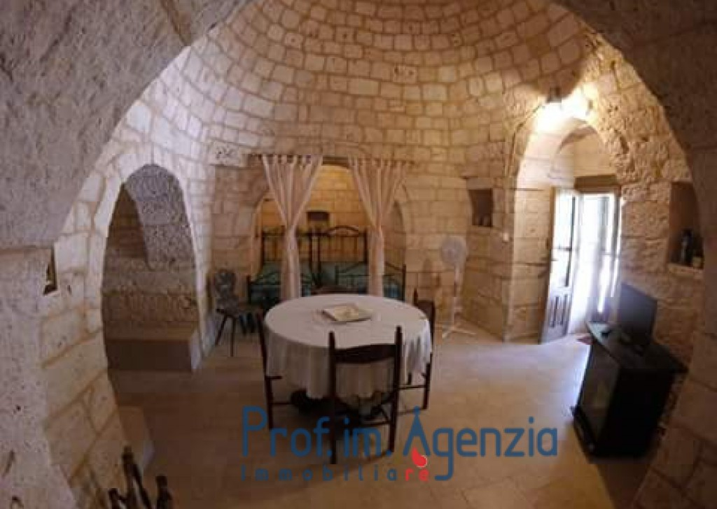 Sale Restored trulli San Michele S. - Beautiful and original complex of trulli Locality Agro di San Michele Salentino