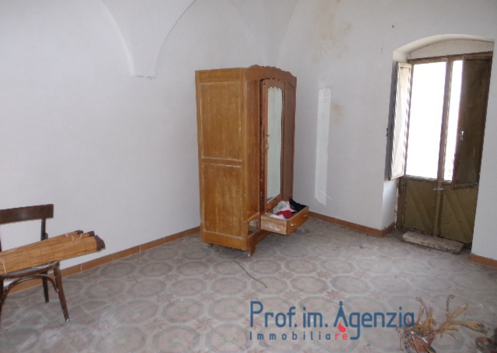 Sale Independent apartments Carovigno - Beautiful and bright flat sited in the heart of the old town centre Locality Città di Carovigno