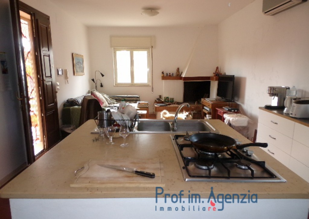 Sale Country houses Carovigno -  18/5000 Villa in the countryside. Locality Agro di Carovigno