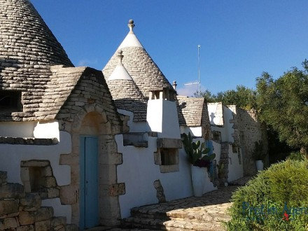 Renovated trullo with pool