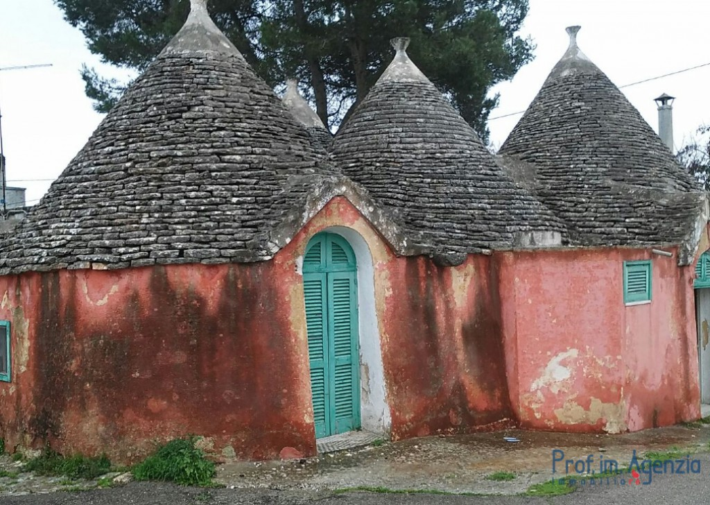 Sale Trulli to be restored/expanded Fasano - Trullo Locality Laureto