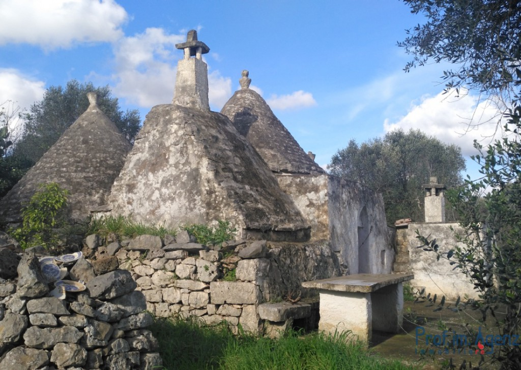 Sale Trulli to be restored/expanded San Michele S. - Trulli with lamia Locality Agro di San Michele Salentino