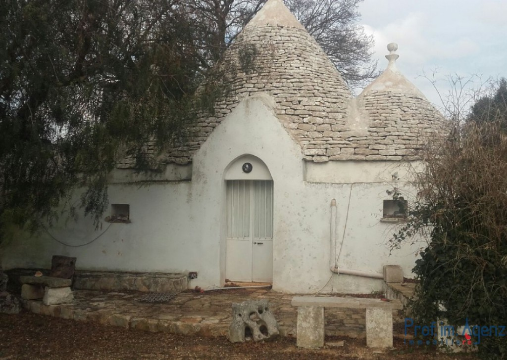 Sale Trulli to be restored/expanded Ceglie Messapica - Complex of Trulli and lamia Locality Agro di Ceglie Messapica