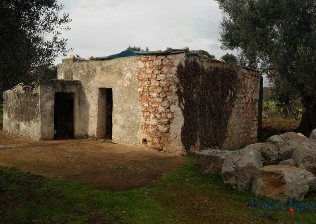 Sale Cottages Ceglie Messapica - Lamia Locality Agro di Ceglie Messapica