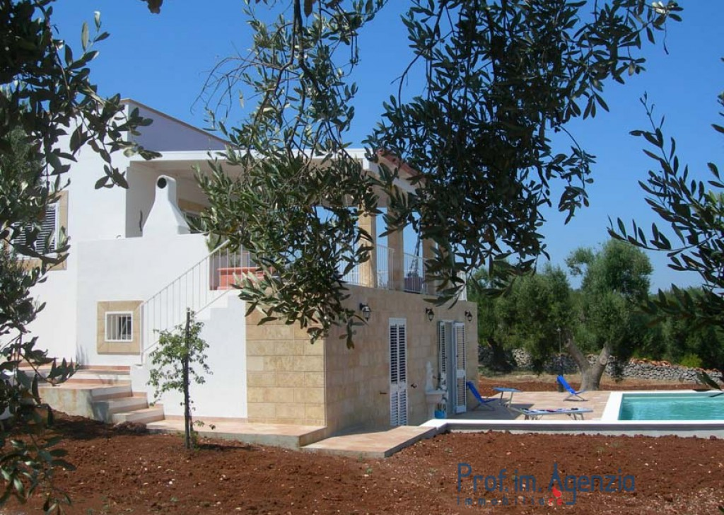 Sale Sea view villa Carovigno - Wanderful and comfortable villa sea view with open air pool Locality Agro di Carovigno