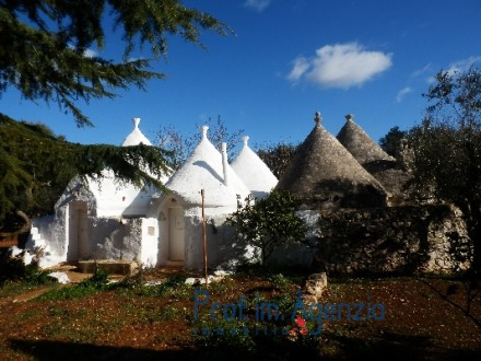 Beautiful trullo with 11 cones alcoves and ancient fire place
