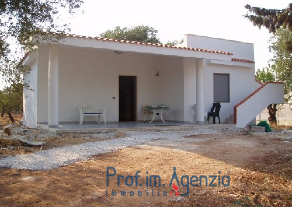 Sale Country houses Carovigno - Country house Locality Agro di Carovigno