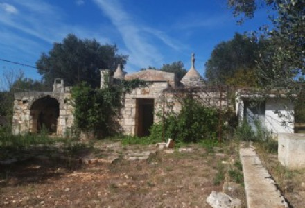 Complex of trulli and lamias to be restored